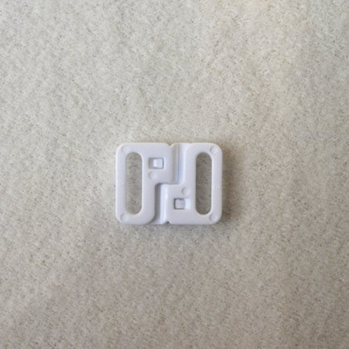 Plastic front closure clasps L12F45